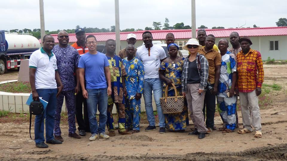 Visite des ONGs sur le chantier de construction du barrage hydroélectrique d'Adjarala