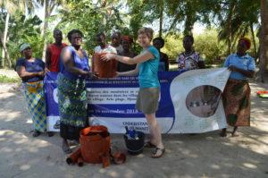 Conservation de la Biodiversité : les premiers foyers améliorés Wanrou construits dans l'Aire Communautaire la Bouche du Roy